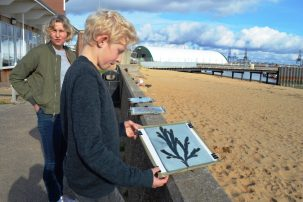 Paul Henry making a seaweed photo print