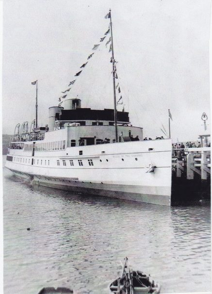 First Queen of the Channel large passenger boat moored at pier in Clacton | Sourced by Roger Kennell, Clacton & District Local History Society