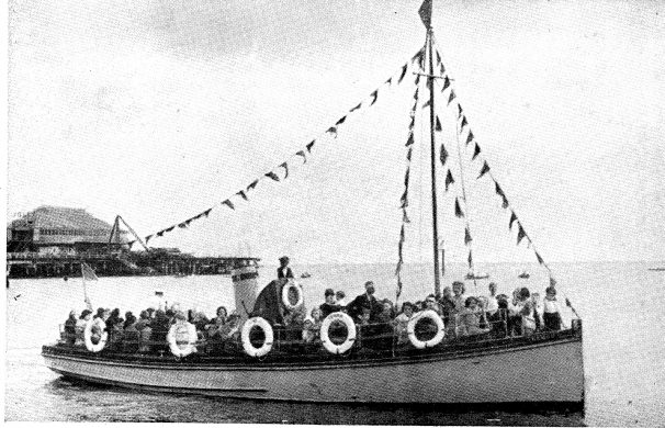 Nemo II passenger boat full of passengers | Sourced by Roger Kennell, Clacton & District Local History Society