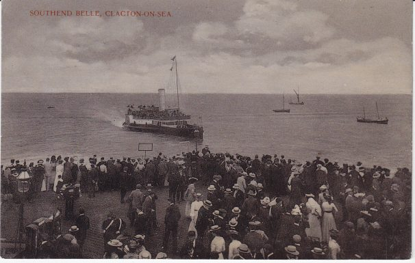 Photo B&W of Southend-Belle-arriving-Clacton, crowds watching | Sourced by Roger Kennell, Clacton & District Local History Society