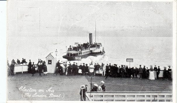 London Boat Leaving Clacton Pier c. 1905, small crowd on pier | Sourced by Roger Kennell, Clacton & District Local History Society