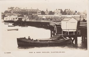 Motor boat with passengers at Clacton Pier | Sourced by Roger Kennell, Clacton & District Local History Society